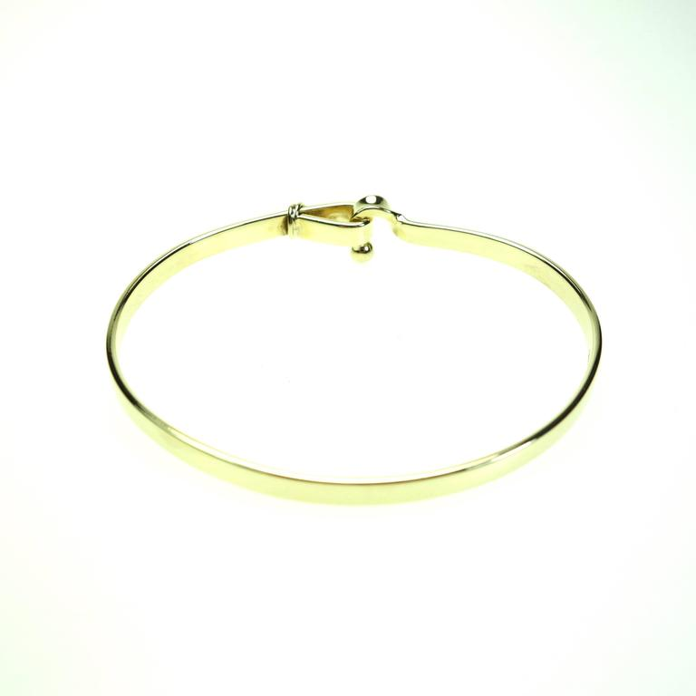 Tiffany & Co. Yellow Gold Hook and Eye Style Bangle Bracelet In Excellent Condition For Sale In Agoura Hills, CA