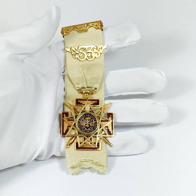 33rd Degree Scottish Rite Masonic Ribbon Enamel Gold Medal