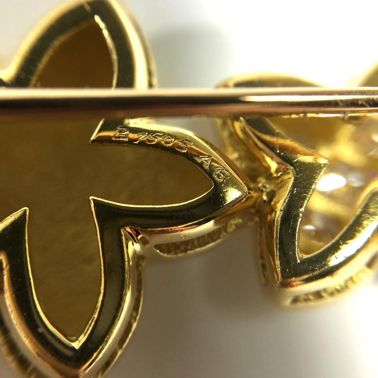 Women's or Men's Van Cleef & Arpels Stars Diamond Gold Earrings and Brooch For Sale