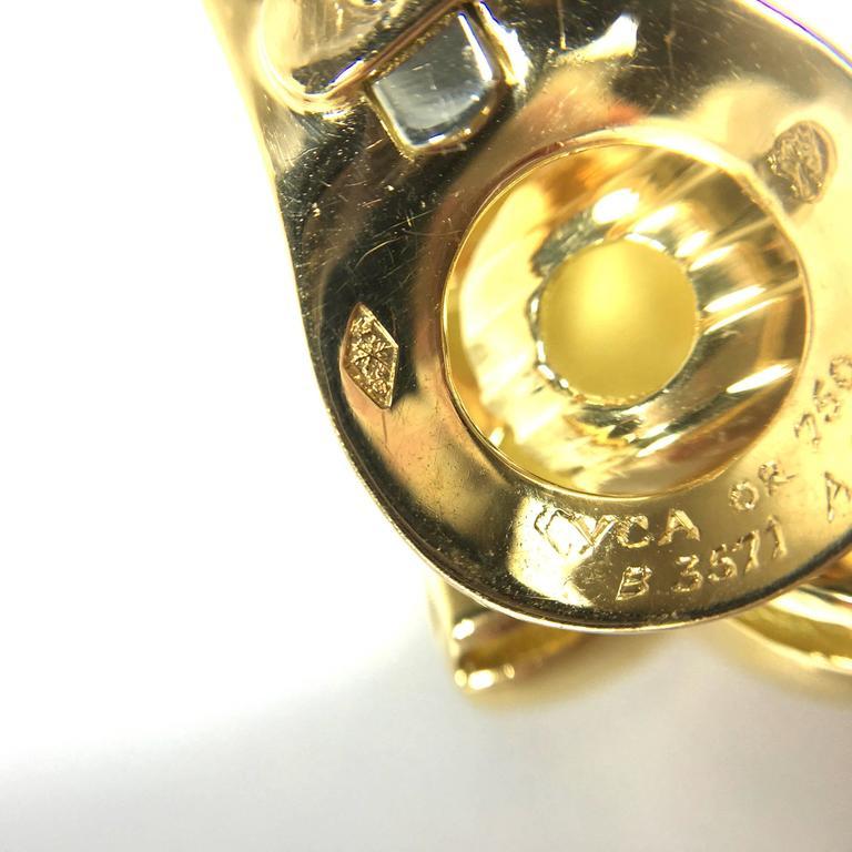 Van Cleef & Arpels Stars Diamond Gold Earrings and Brooch For Sale 1