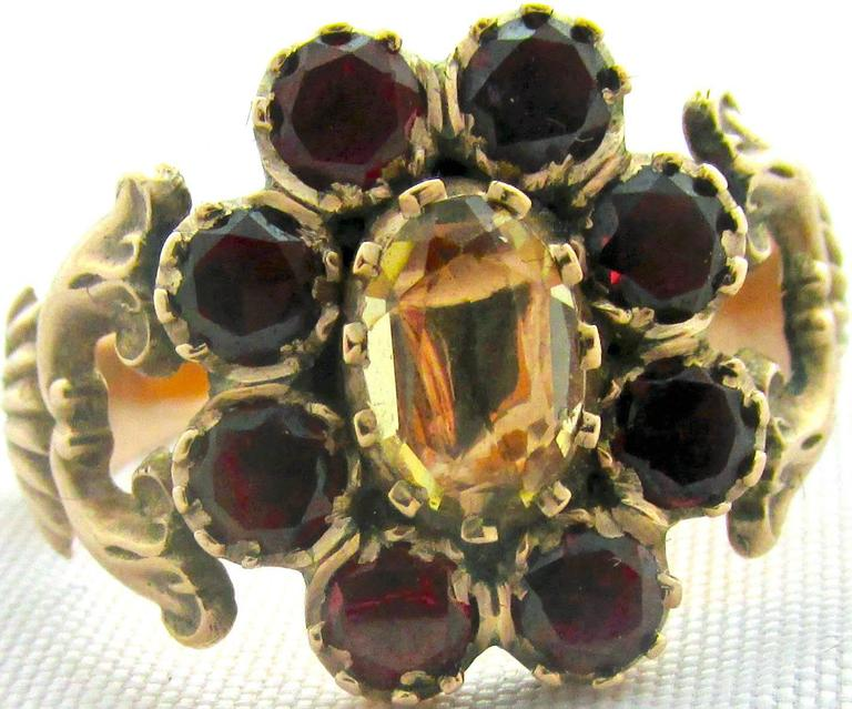 Antique Garnet Topaz Gold Cluster Ring In Excellent Condition For Sale In Baltimore, MD