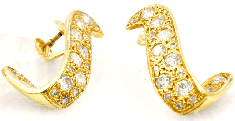 14 Karat Gold and Diamond Earrings In Excellent Condition For Sale In Baltimore, MD