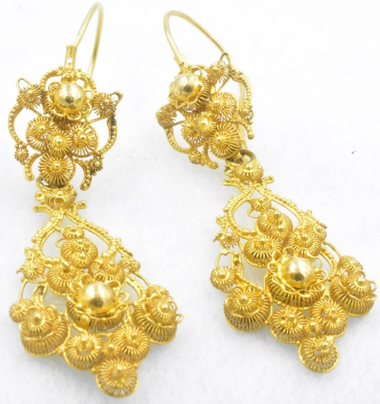 Women's Antique 18 Karat Gold Cannetille Earrings For Sale