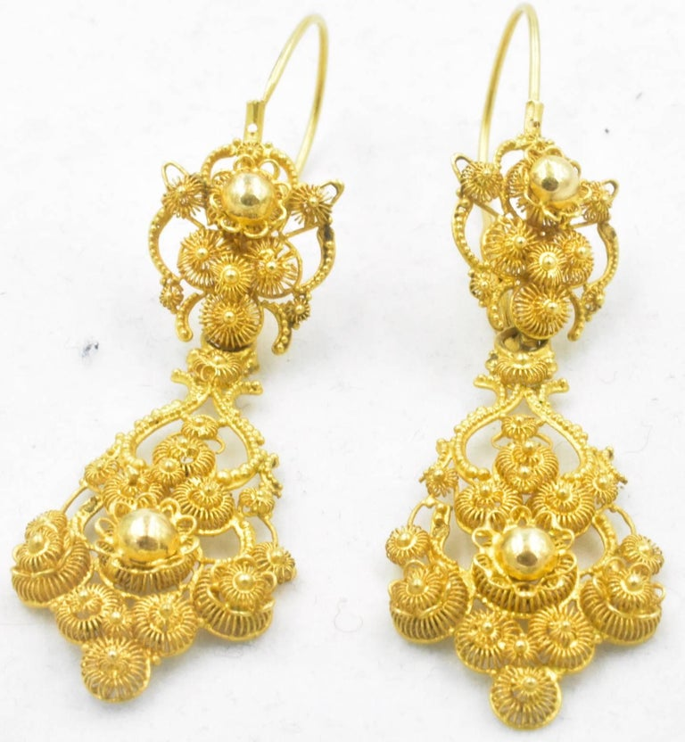 Rococo Antique 18 Karat Gold Cannetille Earrings For Sale