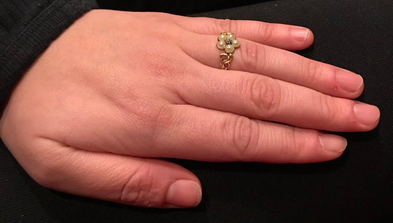 Antique Georgian Gold, Pearl and Diamond Forget-Me-Not Ring, circa 1840 For Sale 4