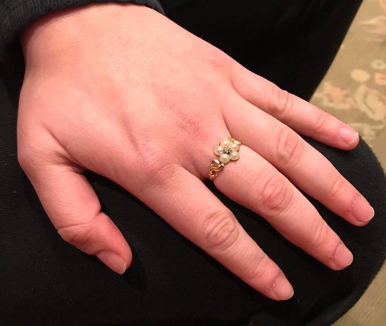 Antique Georgian Gold, Pearl and Diamond Forget-Me-Not Ring, circa 1840 For Sale 3