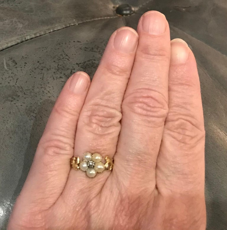 Antique Georgian Gold, Pearl and Diamond Forget-Me-Not Ring, circa 1840 For Sale 6