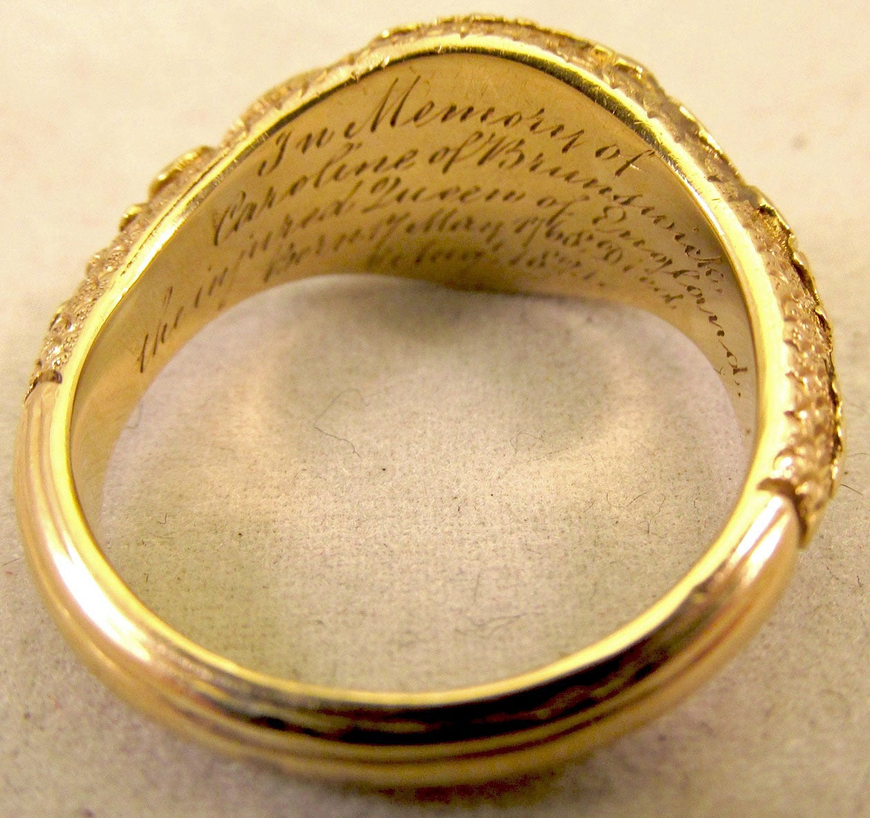 Antique Gold Memorial Ring Caroline of Brunswick Wife of George IV For Sale 1