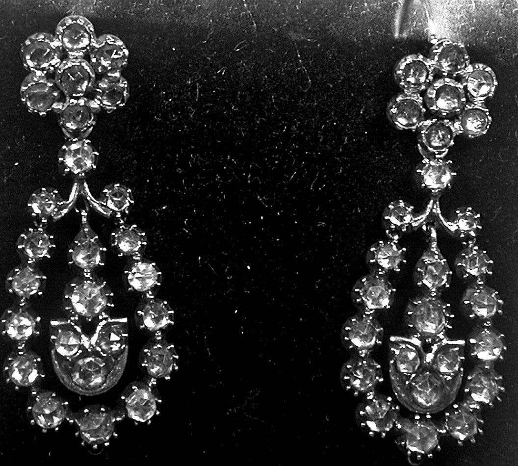 Women's Antique Jargoon Earrings Set in Silver and Gold For Sale