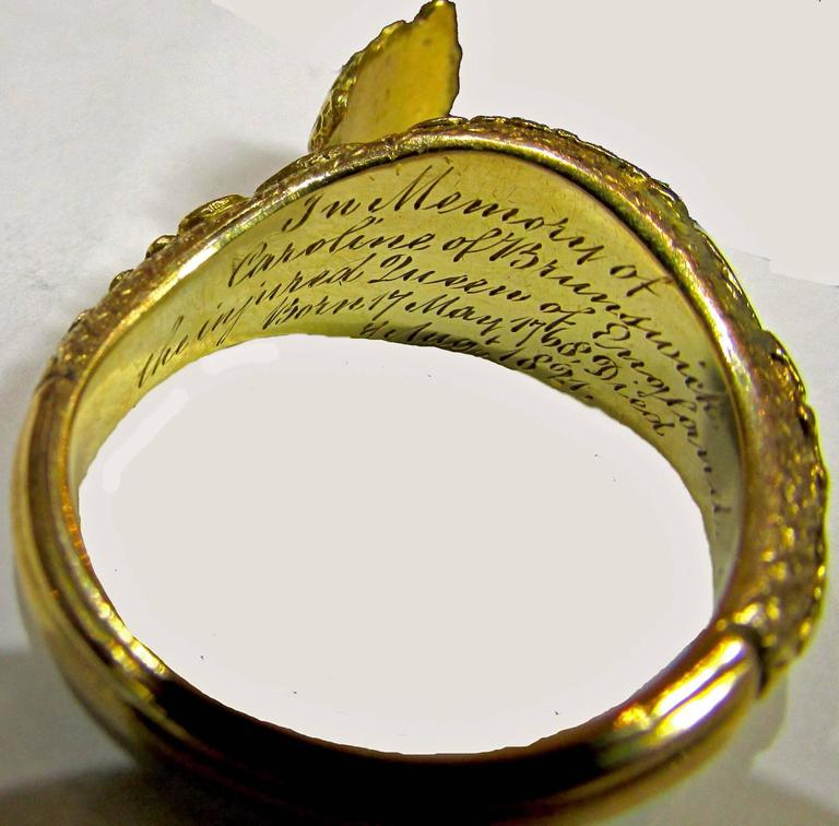 Antique Gold Memorial Ring Caroline of Brunswick Wife of George IV For Sale 2