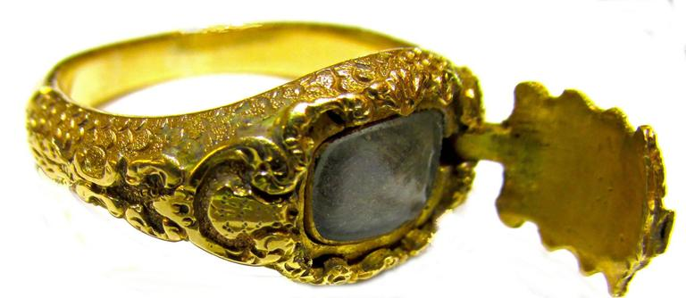 Antique Gold Memorial Ring Caroline of Brunswick Wife of George IV For Sale 4
