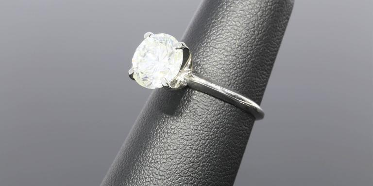 3.08 Carat Round Diamond Gold GIA Certified Solitaire Engagement Ring For Sale 2