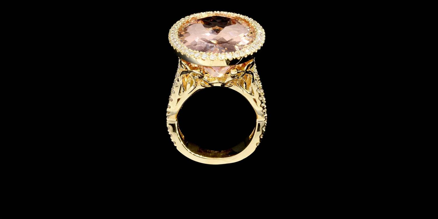 Rose Gold Oval Morganite and Diamond Ring For Sale at 1stdibs