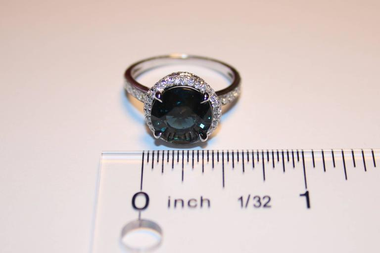 Certified No Heat 4.98 Carats Round Greenish Blue Sapphire Diamond Ring In As New Condition For Sale In New York, NY