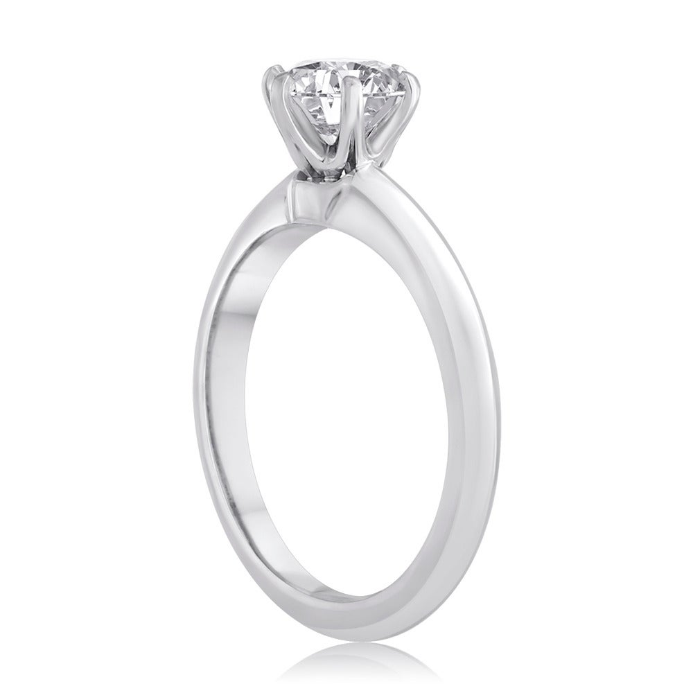 0.90ct Round Cut Tiffany & Co. Engagement Ring 4