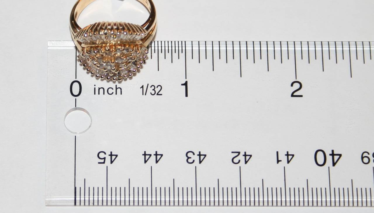 1990's 1.50 Carats Diamond Yellow Gold Ballerina Ring In Excellent Condition For Sale In New York, NY