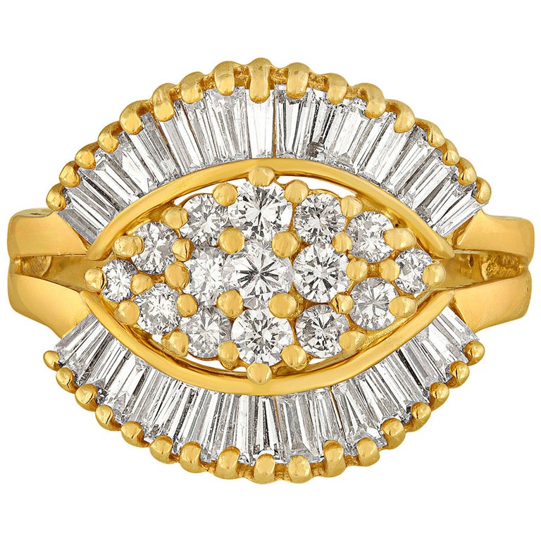 1990's 1.50 Carats Diamond Yellow Gold Ballerina Ring For Sale