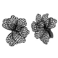 Dickson Yewn Glorious Peony Collection 9.00 Carats Diamond Gold Earrings