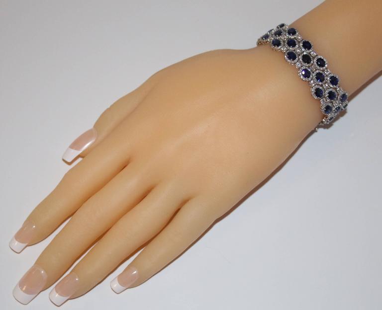 Modern 22.10 Carats Sapphire Diamond Gold Bracelet For Sale