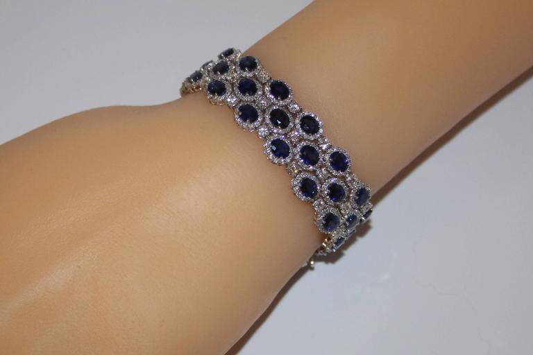 30.58 Carats Sapphire Diamond Gold Bracelet In As new Condition For Sale In New York, NY