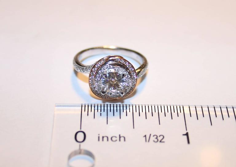 GIA Certified 1.05 Carat F VS2 Diamond Two Color Gold Engagement Ring In New Condition For Sale In New York, NY