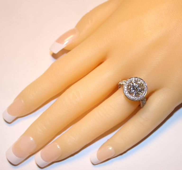 Round Cut GIA Certified 3.01 Carats I VS1 Diamond Platinum Ring For Sale