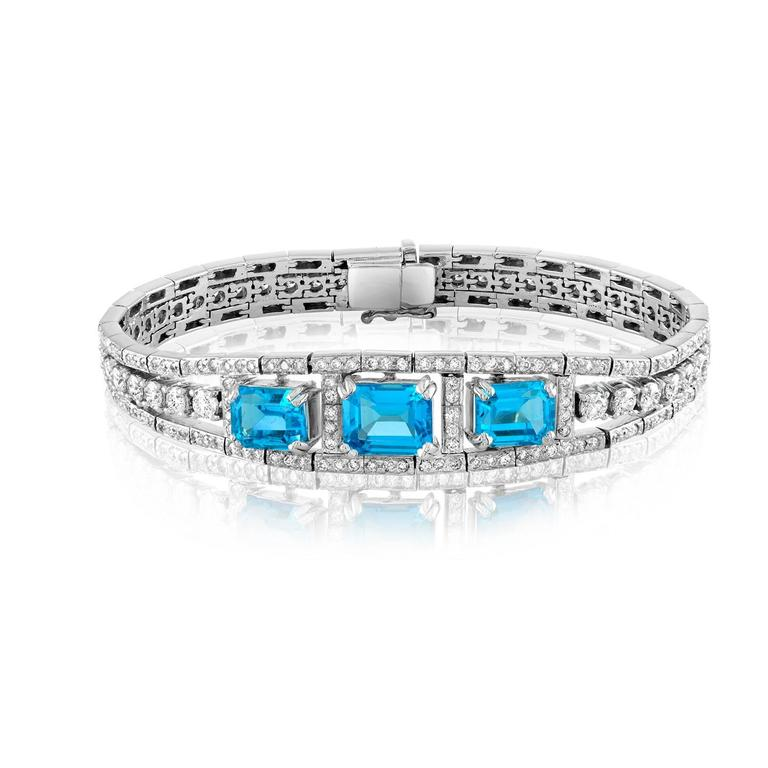 Contemporary 41.20 Carat Blue Topaz And Diamond Gold Necklace Earrings Bracelet Set For Sale
