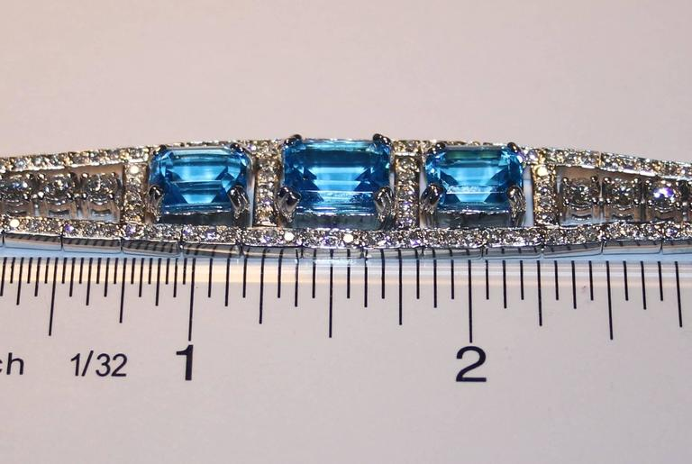 41.20 Carat Blue Topaz And Diamond Gold Necklace Earrings Bracelet Set For Sale 1