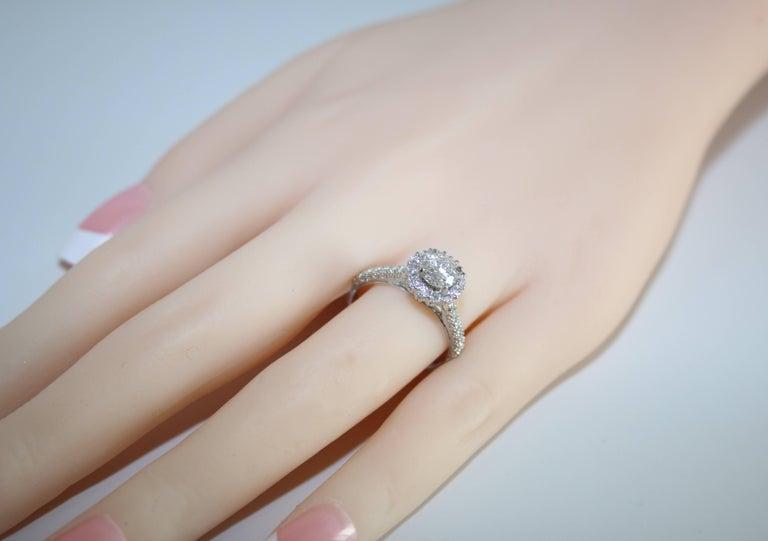 Round Cut GIA Certified 0.80 Carat E VVS1 Round Diamond Gold Milgrain Engagement Ring For Sale