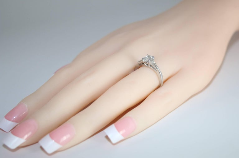 0.51 Carat Oval Diamond Platinum Engagement Ring In New Condition For Sale In New York, NY