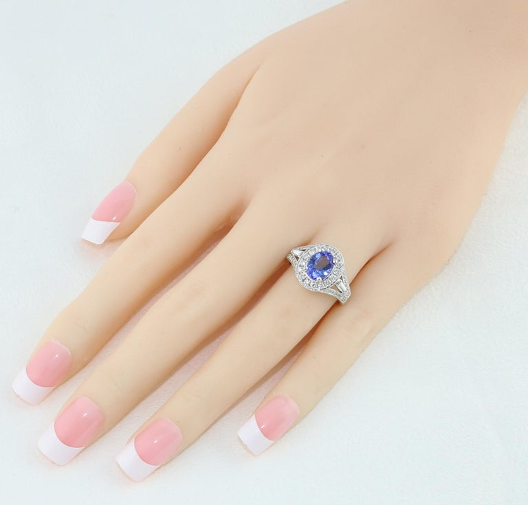 1.80 Carat Oval Tanzanite Diamond Halo Gold Ring In New Condition For Sale In New York, NY