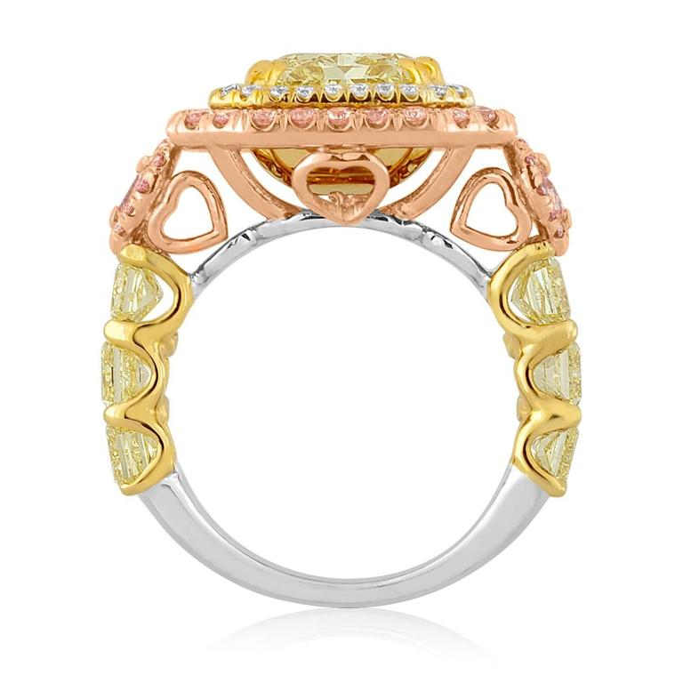 Contemporary GIA Fancy Yellow 4.02 Carat Diamond Accented With Fancy Pink Diamonds For Sale