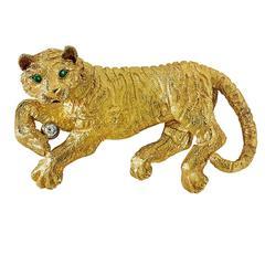 1990's Tiffany & Company Lioness Pin Brooch Emerald Eyes 18 Karat Yellow Gold