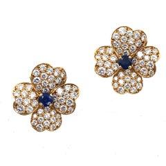 Van Cleef & Arpels Diamond Sapphire Cosmo 18 Karat Gold Small Size Earclips