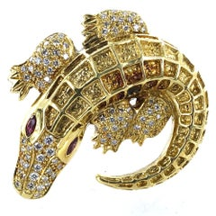 Alligator Diamond 18 Karat Yellow Gold Pin Brooch