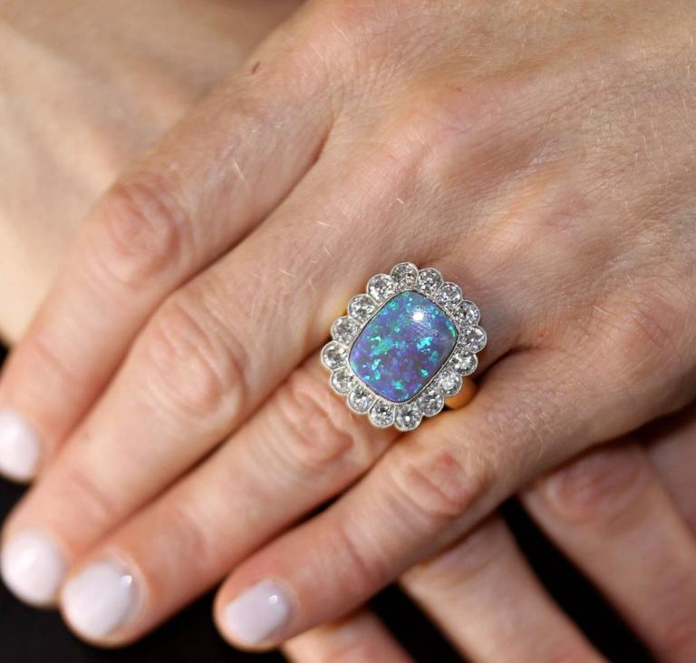 Black Opal Diamond Gold Ring In Excellent Condition For Sale In Boca Raton, FL