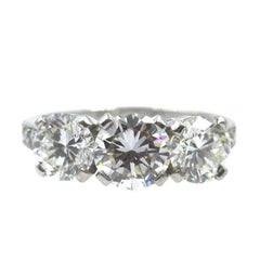 Tiffany & Co. 2.77 Carat Three-Stone Diamond Platinum Ring GIA Certified