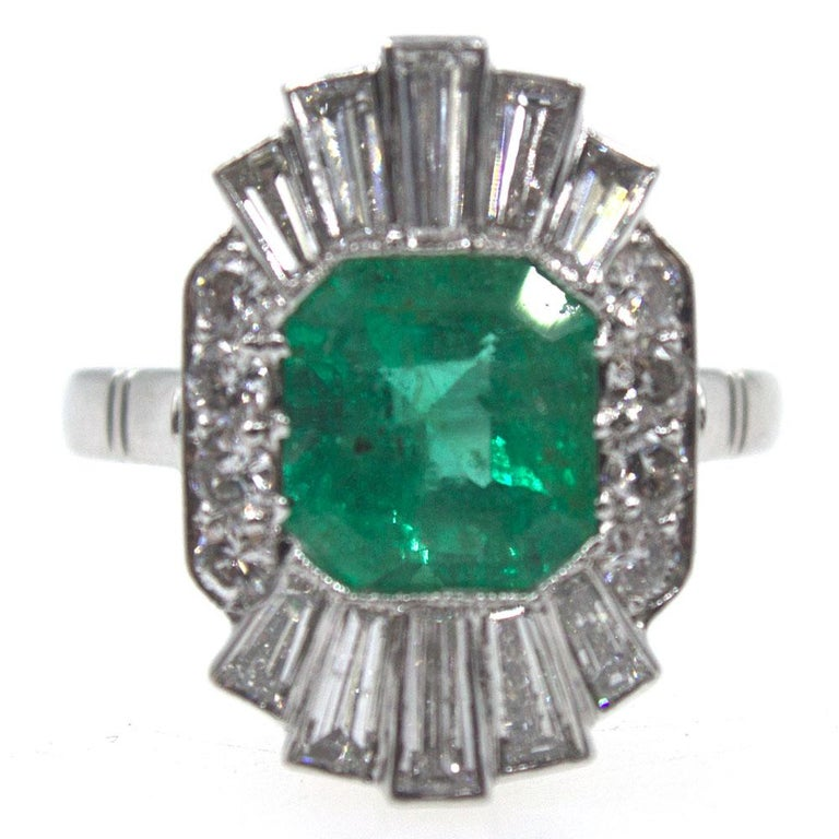 1940s Emerald Diamond Platinum Cocktail Ring In Excellent Condition For Sale In Boca Raton, FL