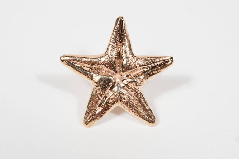 Seaman Schepps Mid-Century Modernist Gold Starfish Earrings In Excellent Condition For Sale In New York, NY