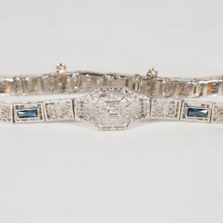Elegant Art Deco Diamond Bracelet in Filigreed White Gold 4