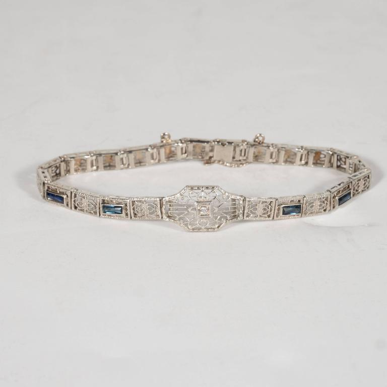 Elegant Art Deco Diamond Bracelet in Filigreed White Gold 2