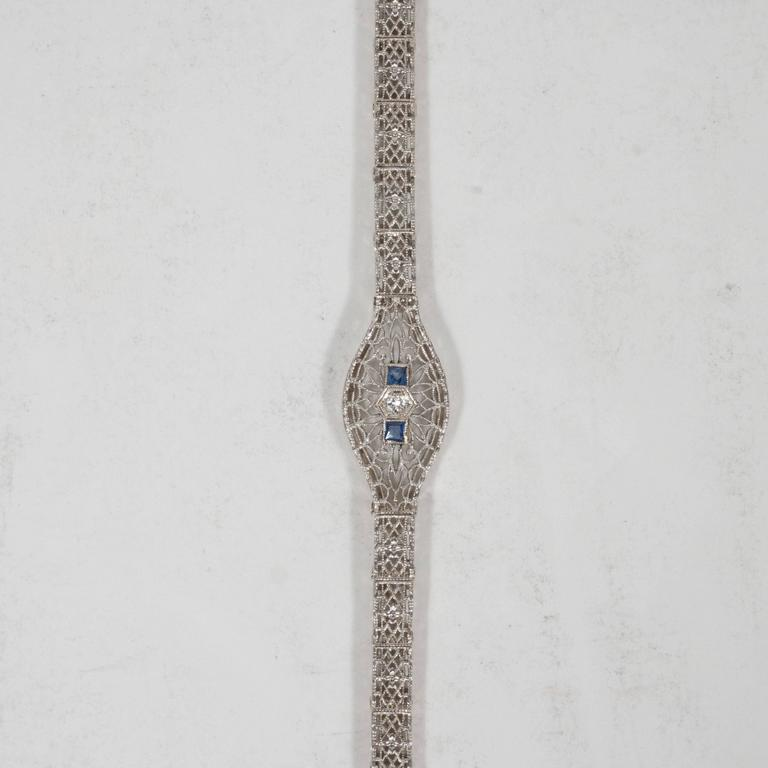 Elegant Art Deco White Gold, Diamond Bracelet Baroque Motifs 9