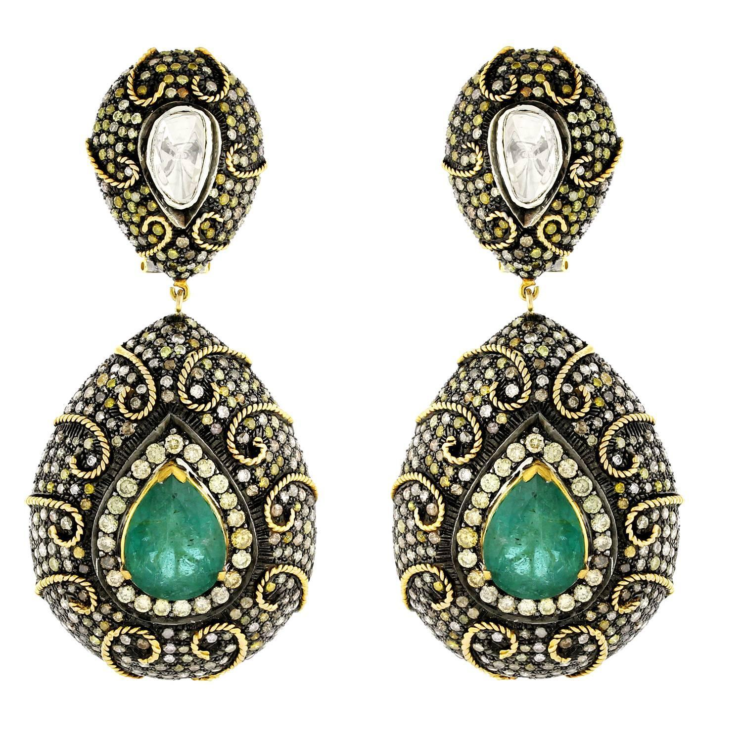 Royal looking Emerald Diamond Gold Earrings For Sale at 1stdibs
