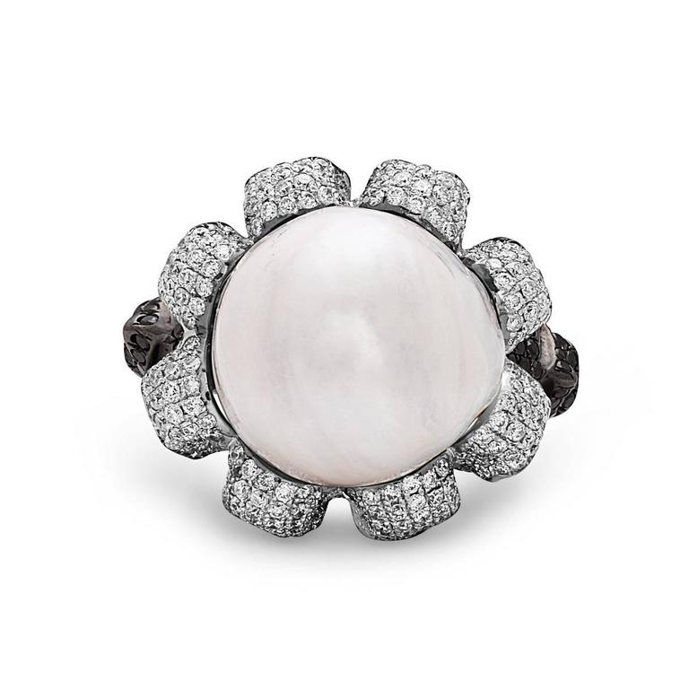 Pearl Diamond Gold Skull Ring  In As new Condition For Sale In New York, NY
