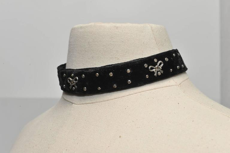 Diamond Sterling Silver Black Velvet Choker with Studs and Bows In Excellent Condition For Sale In Nantucket, MA
