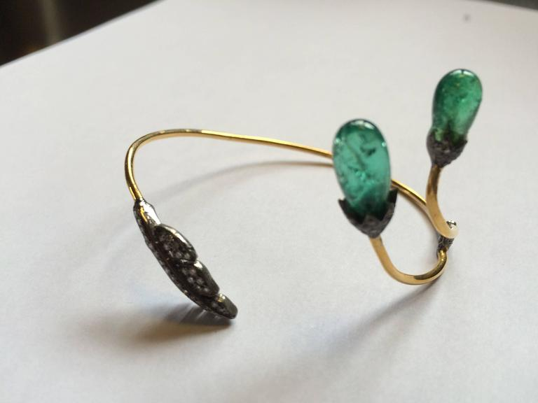 Tumbled Emerald, Pavé Diamond and 18 Karat Gold Wrap Bracelet In Excellent Condition For Sale In Nantucket, MA