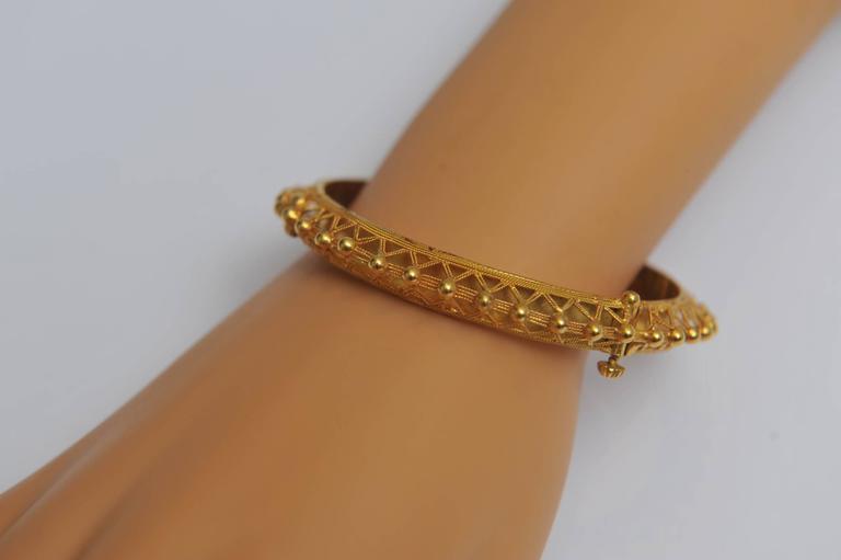 22K Gold Bangle Bracelet with Fine Granulation Work circa 1970s Etruscan Revival For Sale 1