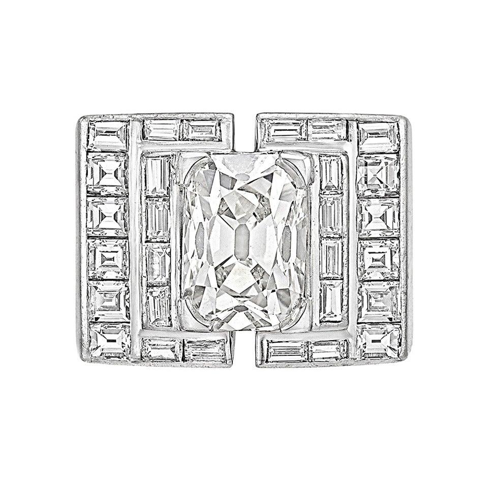 art deco carat cushion cut diamond platinum ring at 1stdibs. Black Bedroom Furniture Sets. Home Design Ideas