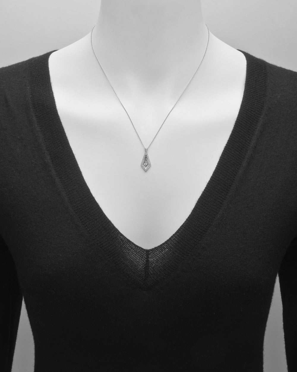 Kite-Shaped Diamond Pendant Necklace 2