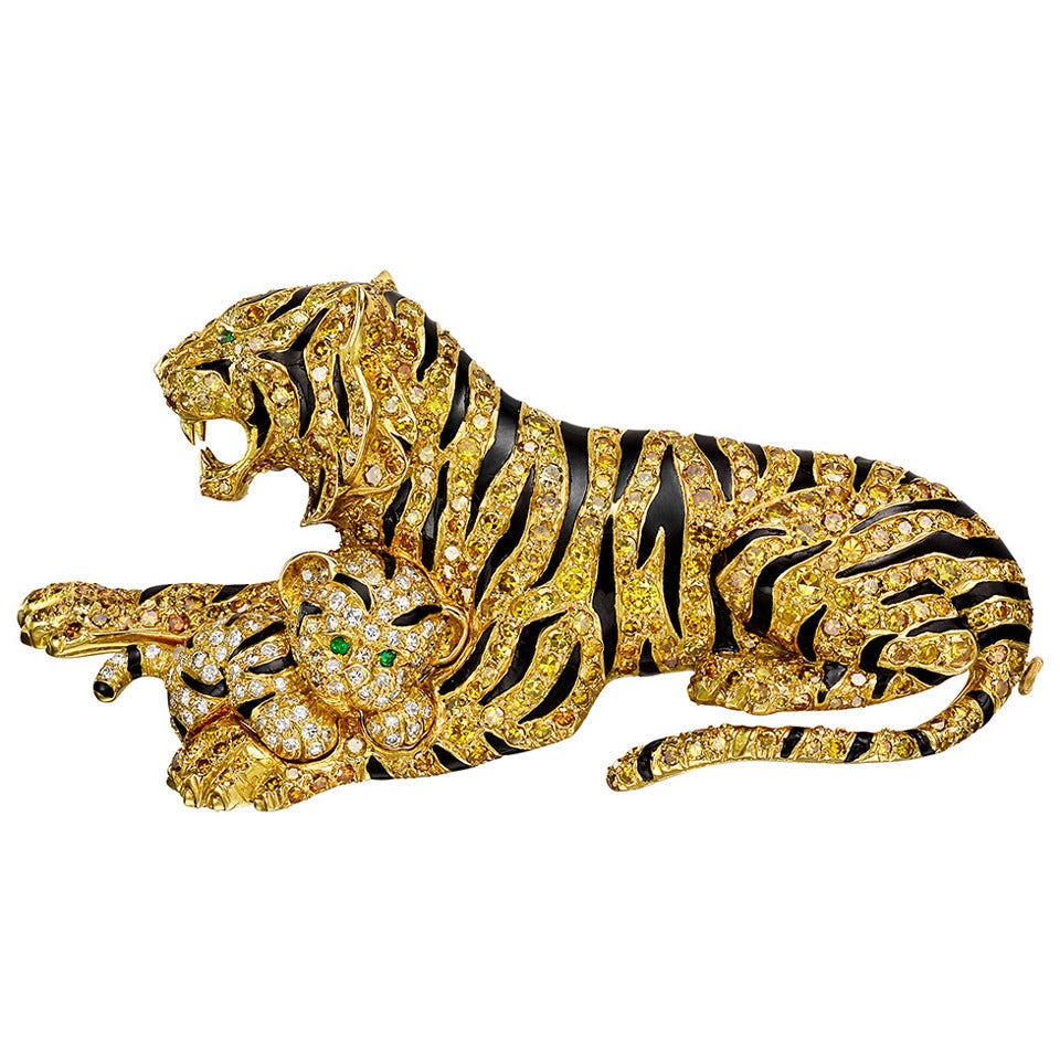 cleef and arpels yellow tiger and cub